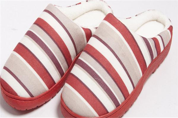 Plush slippers fabric laser cutting