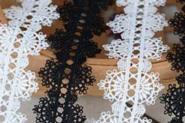 lace cutting