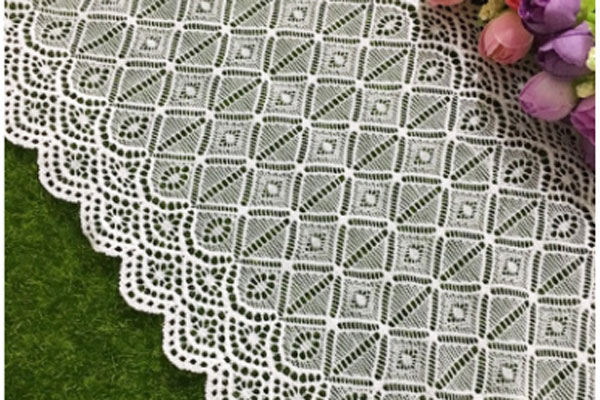 Lace fabric cutting